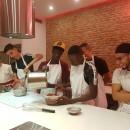 """La marca de chocolates Valrhona, organiza un curso de repostería para jóvenes de """"Cocina Conciencia"""""""
